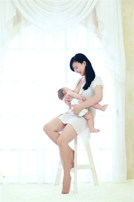 拒绝天价月嫂,养宝宝可以靠自己 - No need for expensive nannies, you can do it yourself!